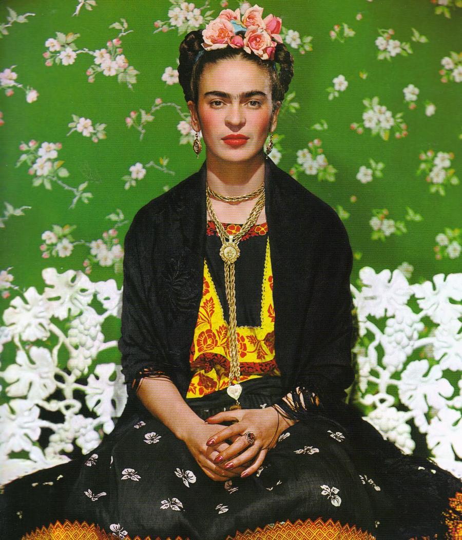 1. Николас Мюрей. Фрида Кало на скамейке, 1939.