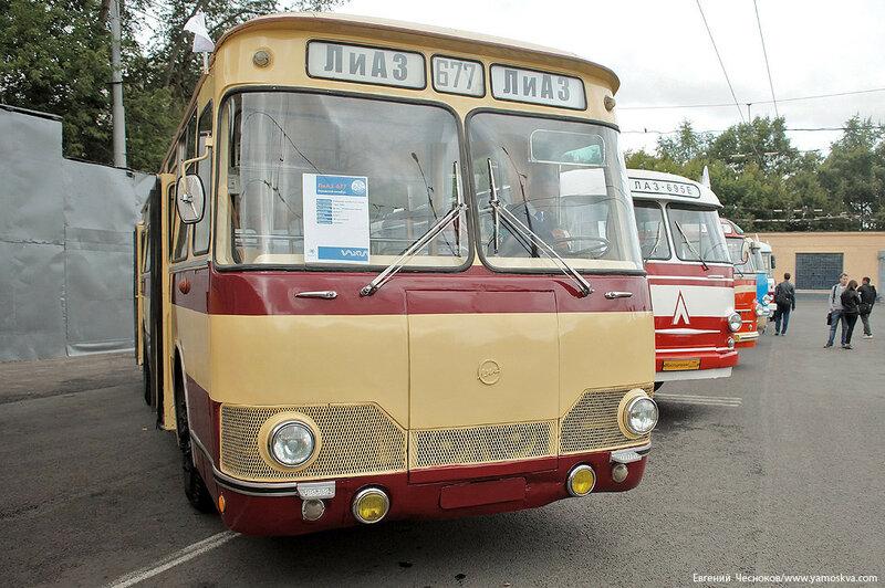 Лето. Парад автобусов. ЛиАЗ 677. 13.08.16.00..jpg
