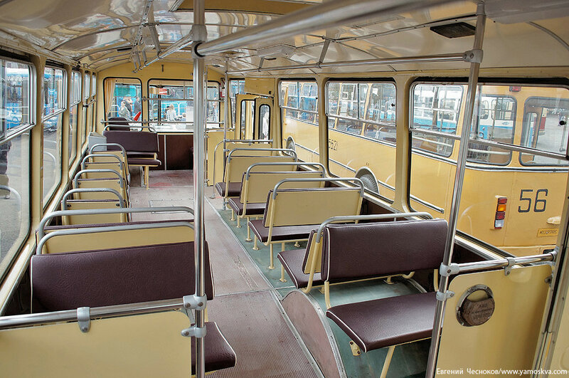 Лето. Парад автобусов. ЛиАЗ 677. 13.08.16.02..jpg