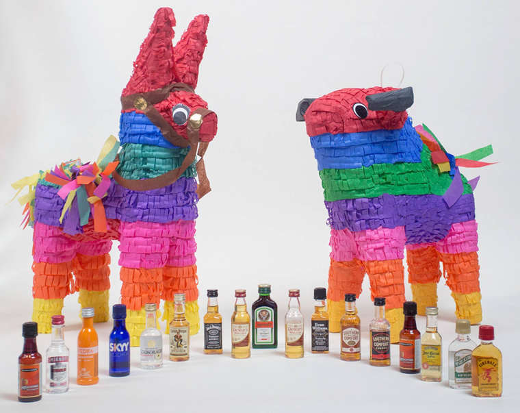 Nipyata – The pinatas for adults filled with candies and bottles of alcohol (8 pics)
