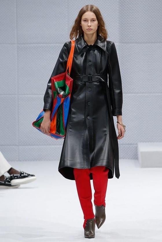 Balenciaga черный кожаный плащ