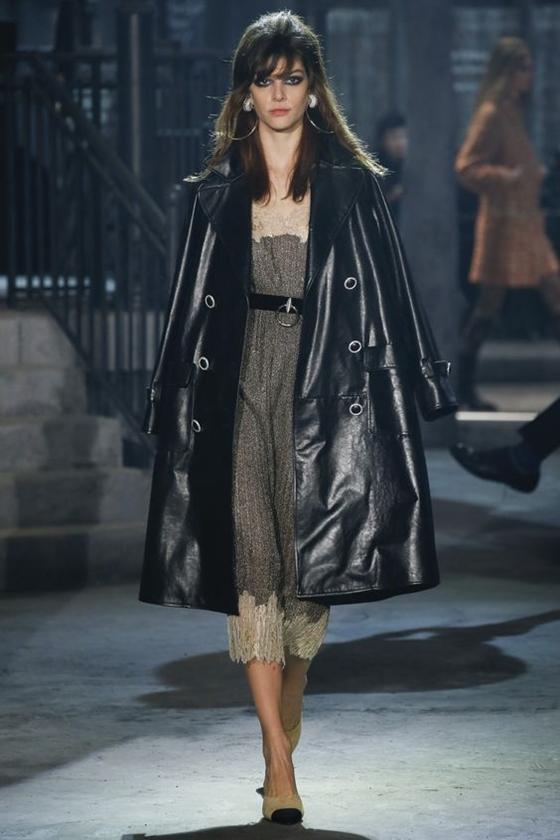 Chanel черный кожаный плащ