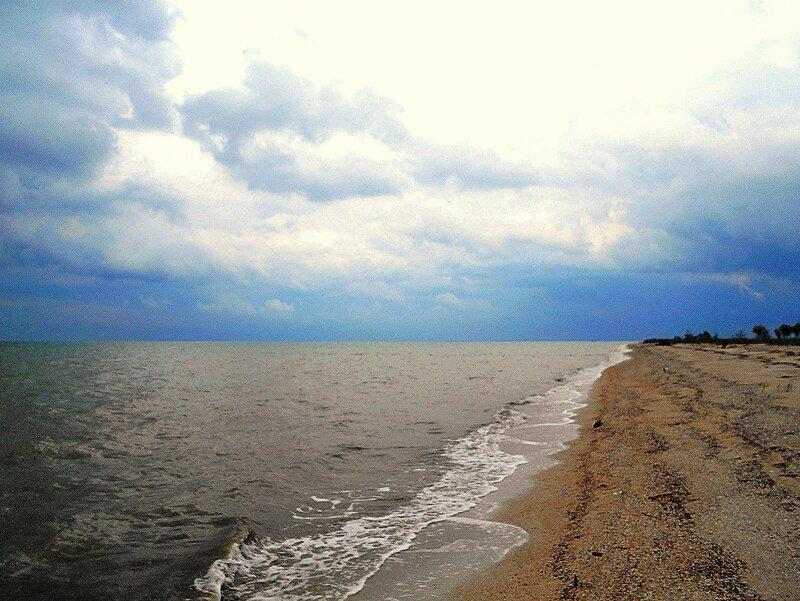 У моря, облачно... ходят дождики ... DSCN5964.JPG