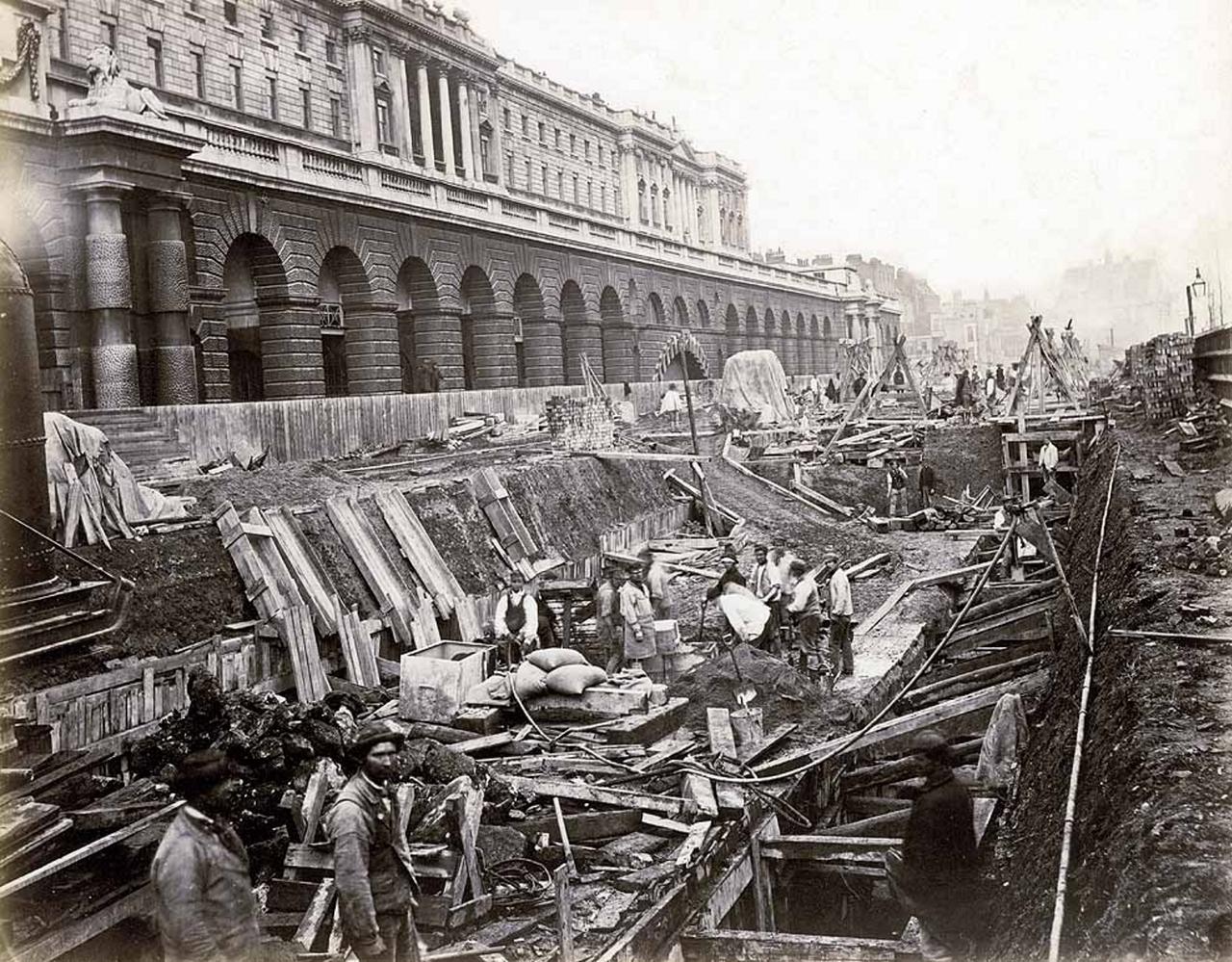 1869. Строительство линии Дистрикт возле Сомерсет-Хауса