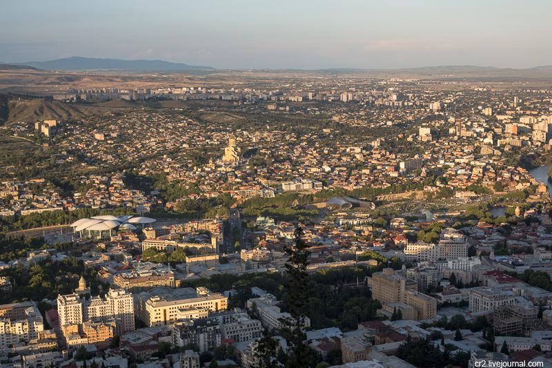 Грузия. Вечерний Тбилиси