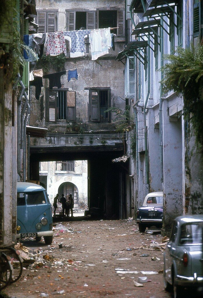 1966 Singapore alley.jpg