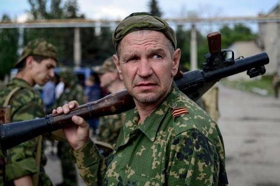 """""""Боевики готовят население оккупированного Донбасса к активной фазе войны"""", - волонтер"""