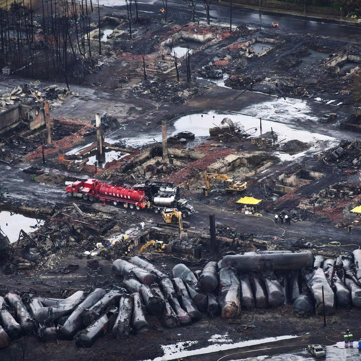 Огненное цунами превратило город в выжженную землю