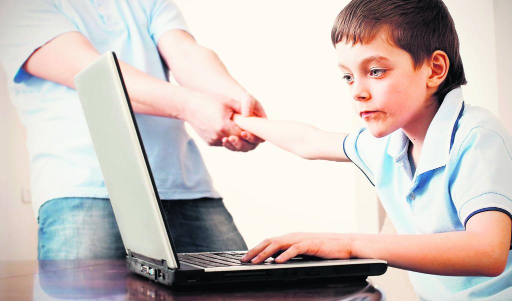 Сколько часов подростку можно сидеть за компьютером