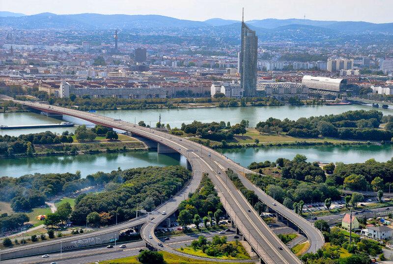 Дунайская башня и окрестности