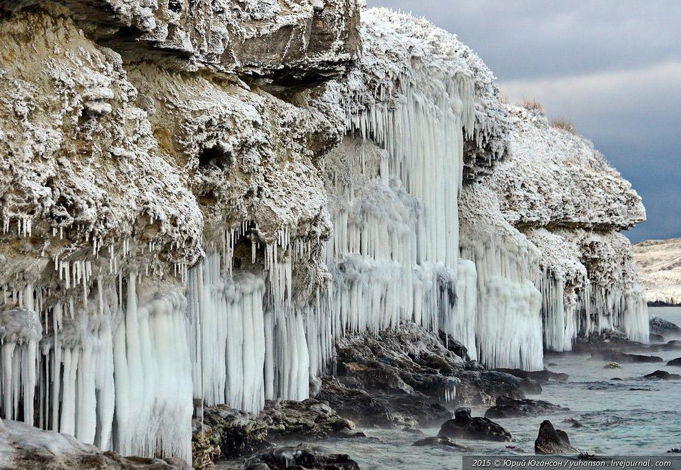 Смотрите « Замерзшее Черное море » и « Там, где живет зима ». Советуем подписаться на наши с