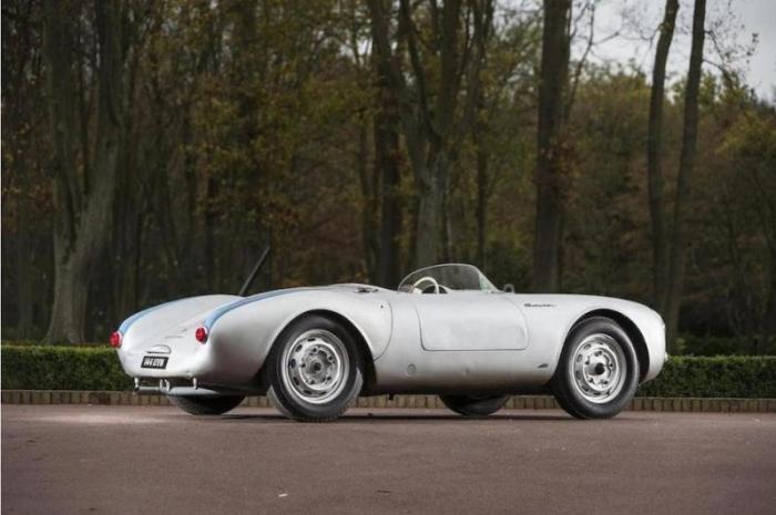 Ведь Порше 550 был первым гоночным автомобилем компании и даже достаточно удачным. Создали его 2 нем