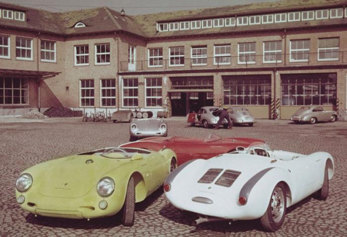 Следующий владелец Фред Себалд, владел мастерской и магазином по продаже автомобилей в штате Калифор