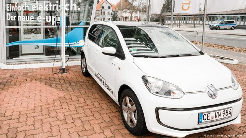 Электромобиль Volkswagen e-up! продается с осени 2013 года  Новый глава концерна Маттиас Мюл