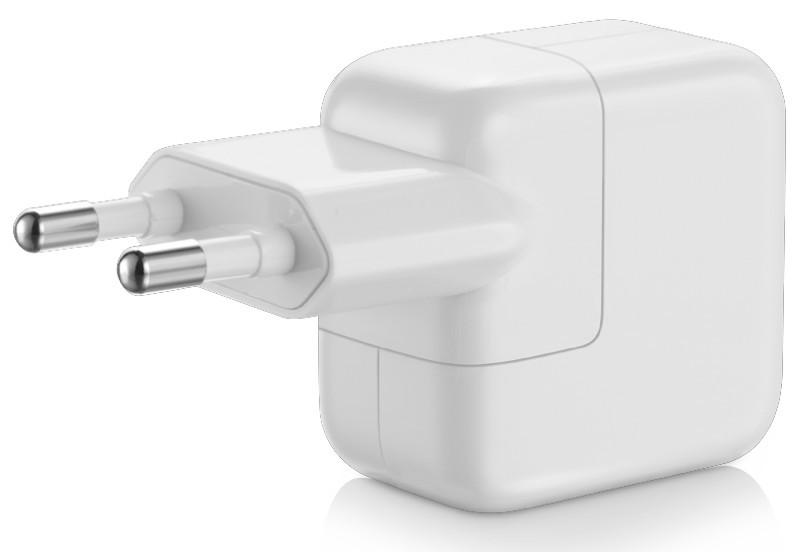 7. Нельзя заряжать свой iPhone зарядкой от iPad. На официальном сайте Apple сказано, что адаптер от