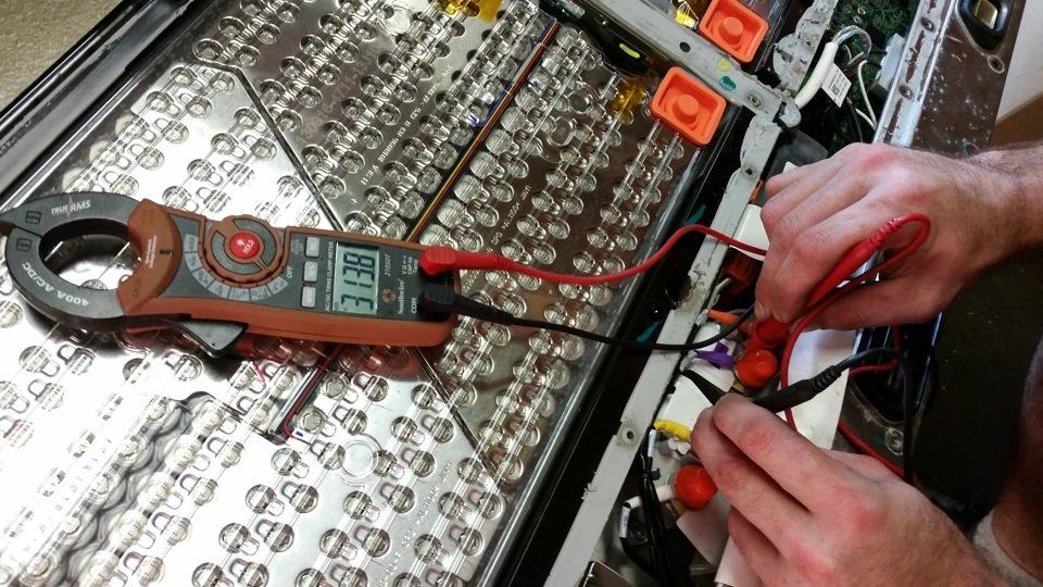 Сборка аккумуляторов отличается высокой плотностью и точностью подгонки деталей. Весь процесс компле