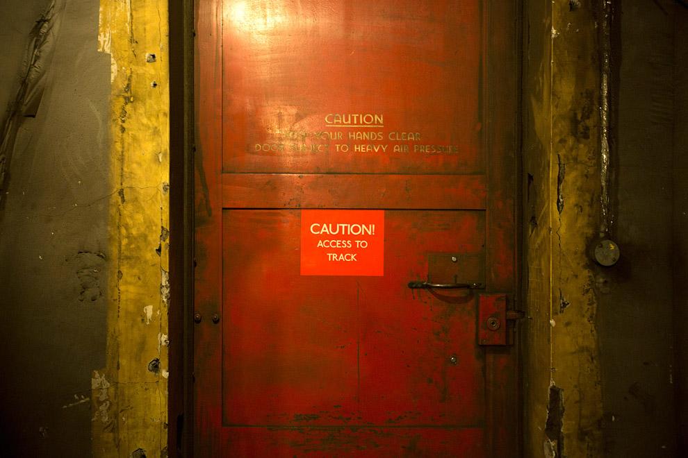 12. «Вы здесь». Станция Даун-Стрит, которая в 1939 году превратилась в секретный подземный бунк
