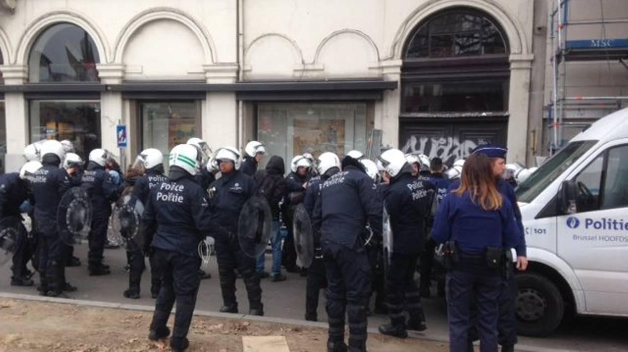 ВБрюсселе задержали около 70 устроивших погром участников антифашистской акции