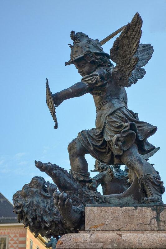 Ангел, побеждающий войну
