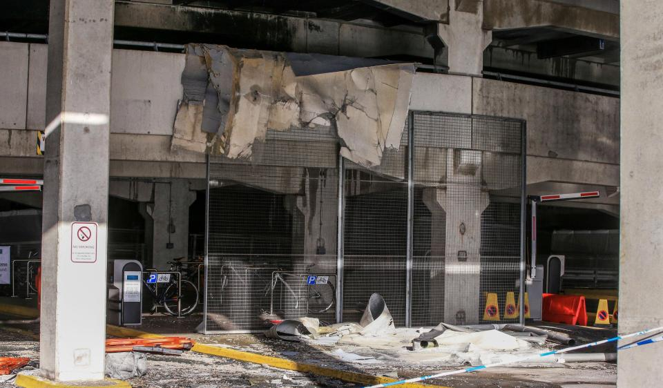До 1600 автомобилей сожжены до тла на многоэтажной парковке в Ливерпуле автомобилей, машины, оборудована, парковка, остановить, можно, Пожар, человек, около, эвакуировано, убегали, бросали, полностью, панике, Ровер, загорелся, после, началось, Ливерпуле, парковке