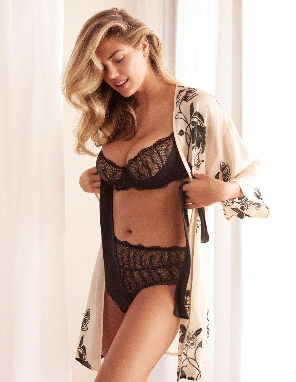Кейт Аптон рекламирует коллекцию нижнего белья