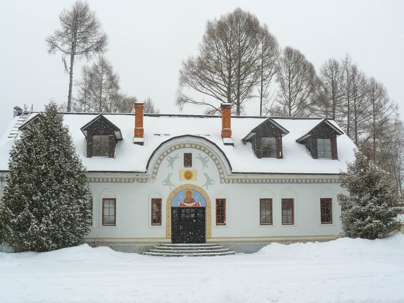 irina-fortuna-uspenskoye-estate-church 06.jpg