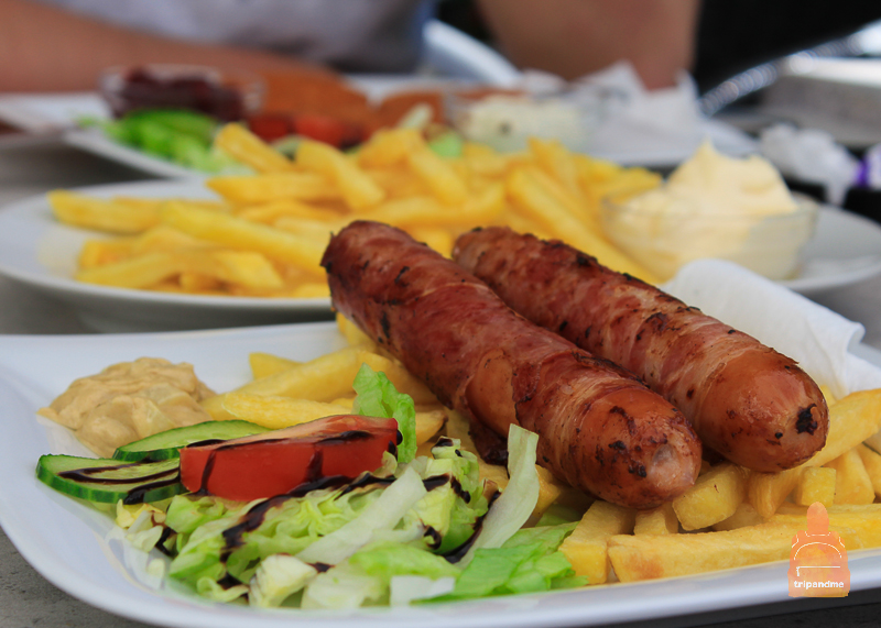 Блюдо в кафе на Карлсплатц