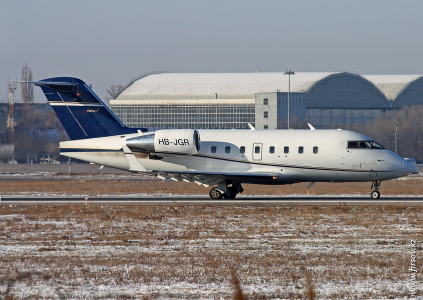 Bombardier_Challenger_604_HB-JGR_Nomad_Aviation_ALA.JPG