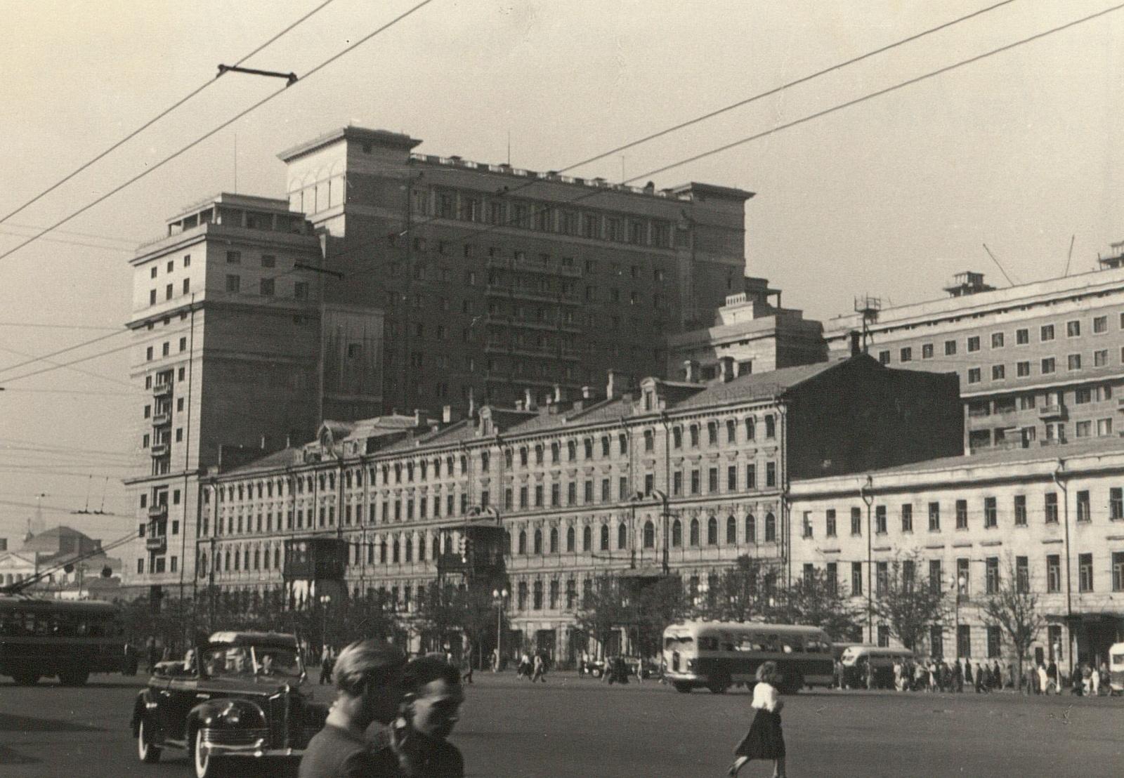 Вид на гостиницу Москва