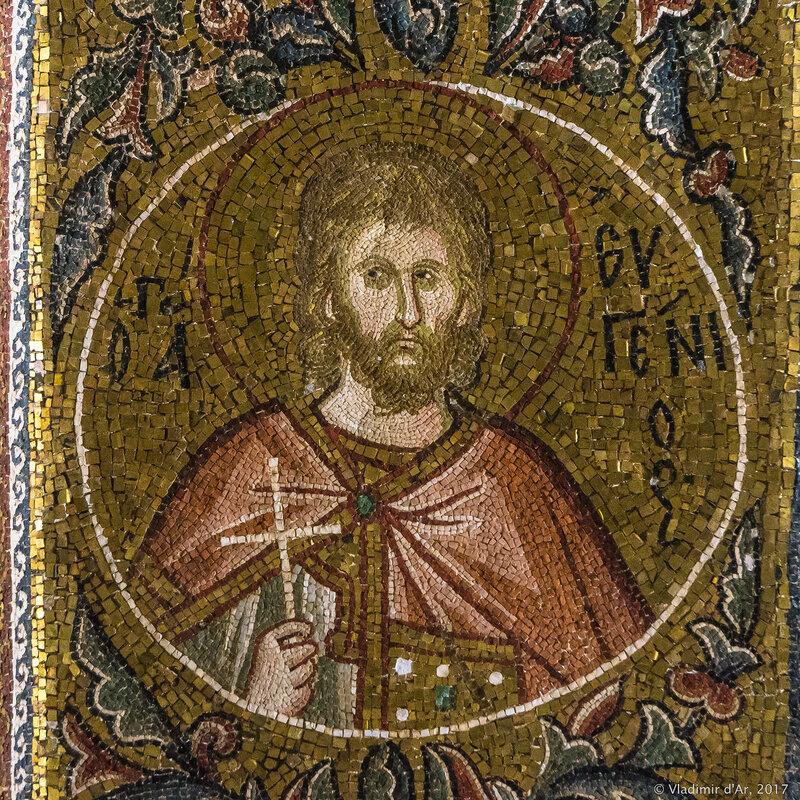Портреты святых в медальонах. Мозаики и фрески монастыря Хора. Церковь Христа Спасителя в Полях.