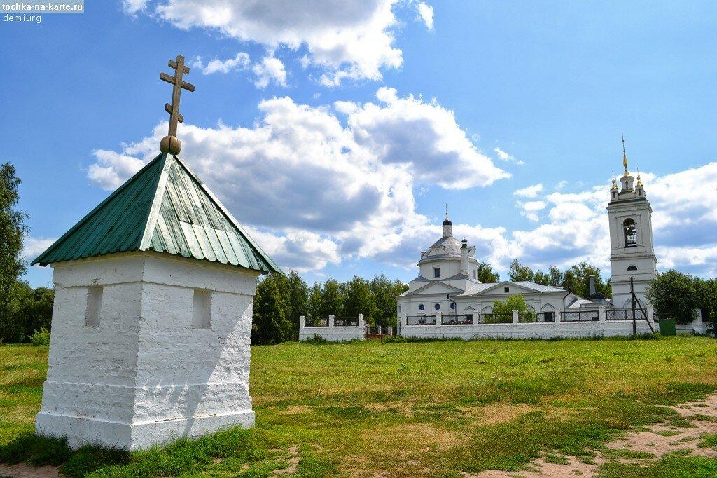 3058-Chasovnja-i-cerkov-v-sele-Konstantinovo.jpg