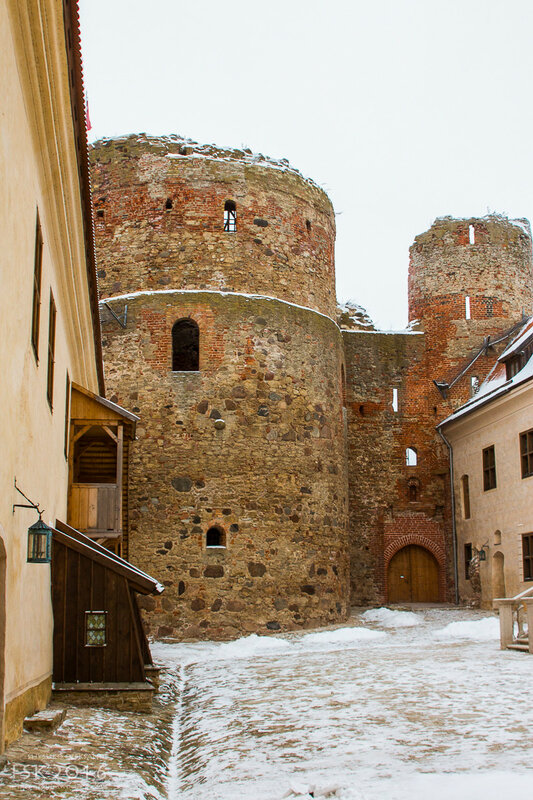 Bausky Castle-9.jpg