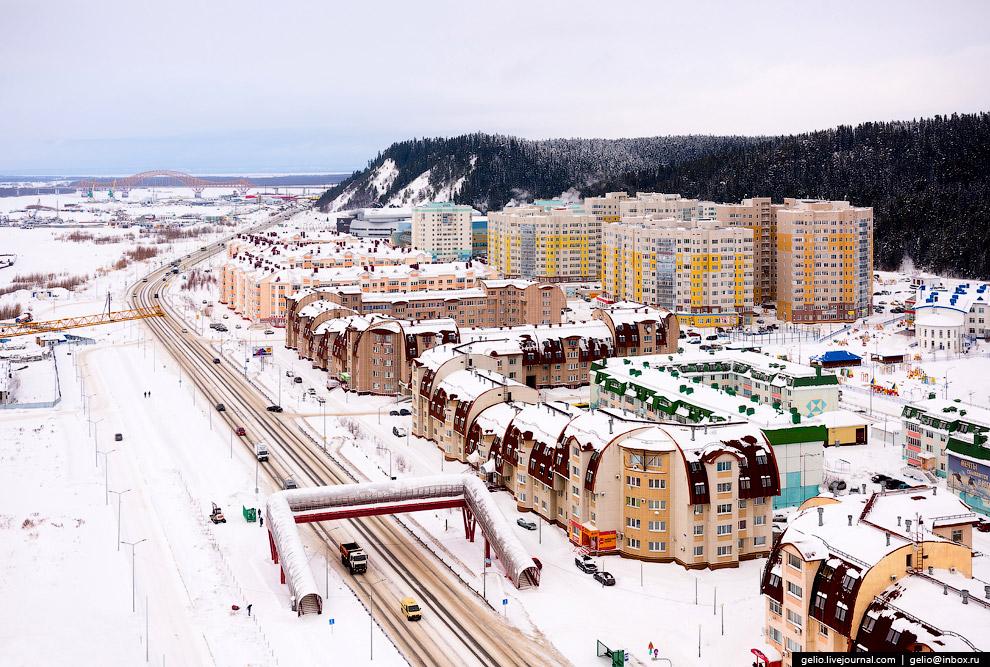 31. В Ханты-Мансийске несколько горнолыжных спусков. Также город регулярно принимает крупные междуна