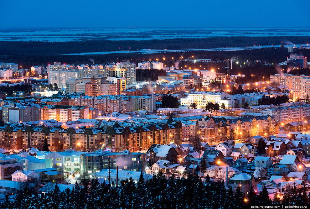 38. Ханты-Мансийск — один из немногих населённых пунктов Земли, который может похвастаться нали