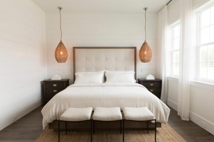 Минималистичный интерьер маленькой спальни. Такая маленькая спальня, оформленная в духе минимализма