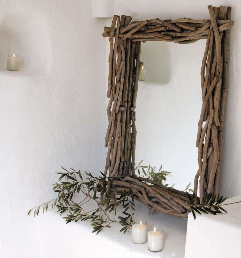 8. Небольшие тонкие веточки — прекрасный материал для декорирования зеркал. Такие предметы интерьера