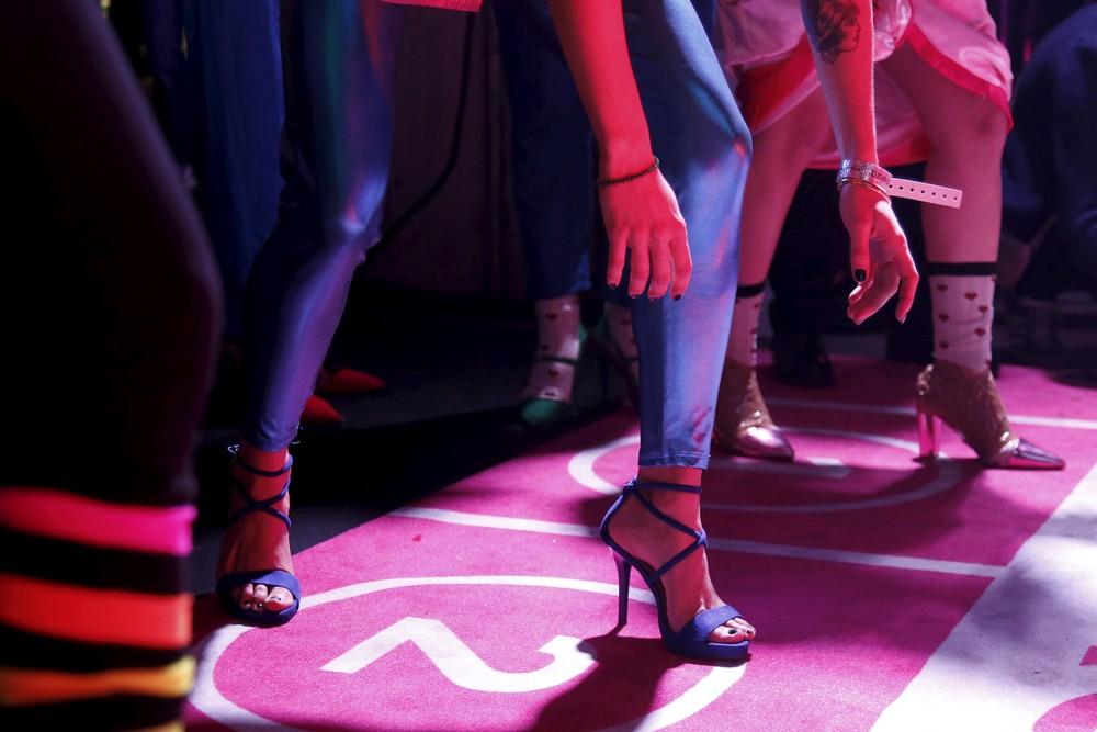 Гонка на высоких каблуках в Париже