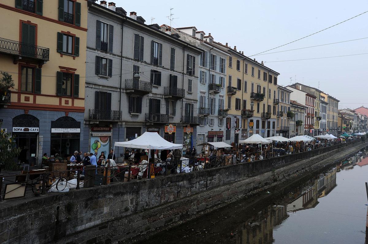 45. Когда-то давно Милан был весь изрыт каналами. Моря здесь не было, но зато было много рек: Севезо