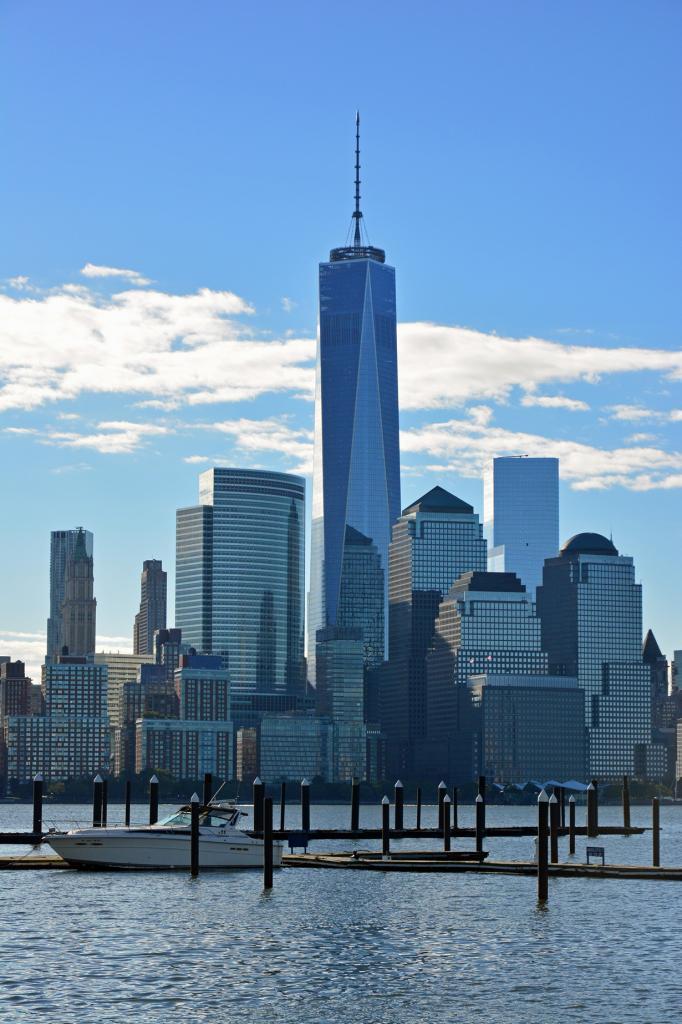 1 место. Всемирный торговый центр 1 — небоскрёб в 104 этажа + 5 цокольных. (Peter Miller)