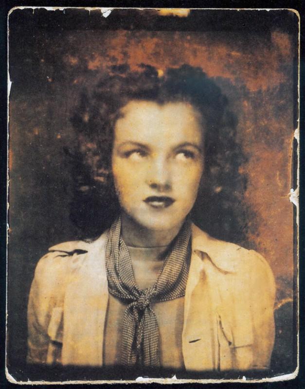 Мэрилин Монро в 12-летнем возрасте, 1938 год.
