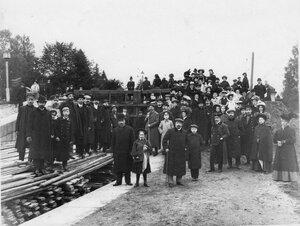 Члены Общества телесного воспитания Богатырь, участники экскурсии на Иматру на строительном участке. 1909