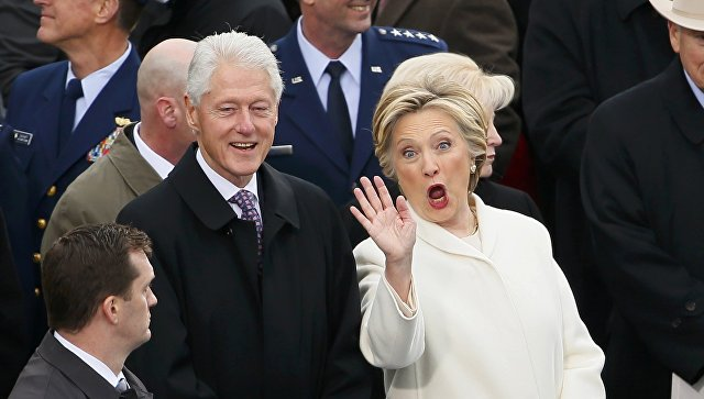 Соцсети впечатлило видео со взором Билла Клинтона— Инаугурация Трампа