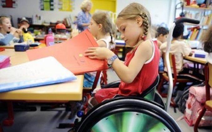 Рада приняла закон Порошенко обинклюзивном образовании
