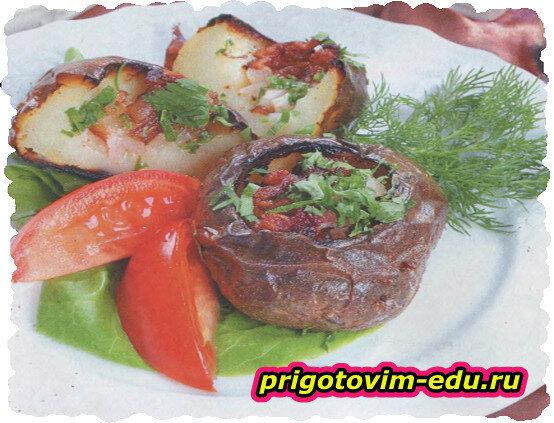 Картофель, нашпигованный салом