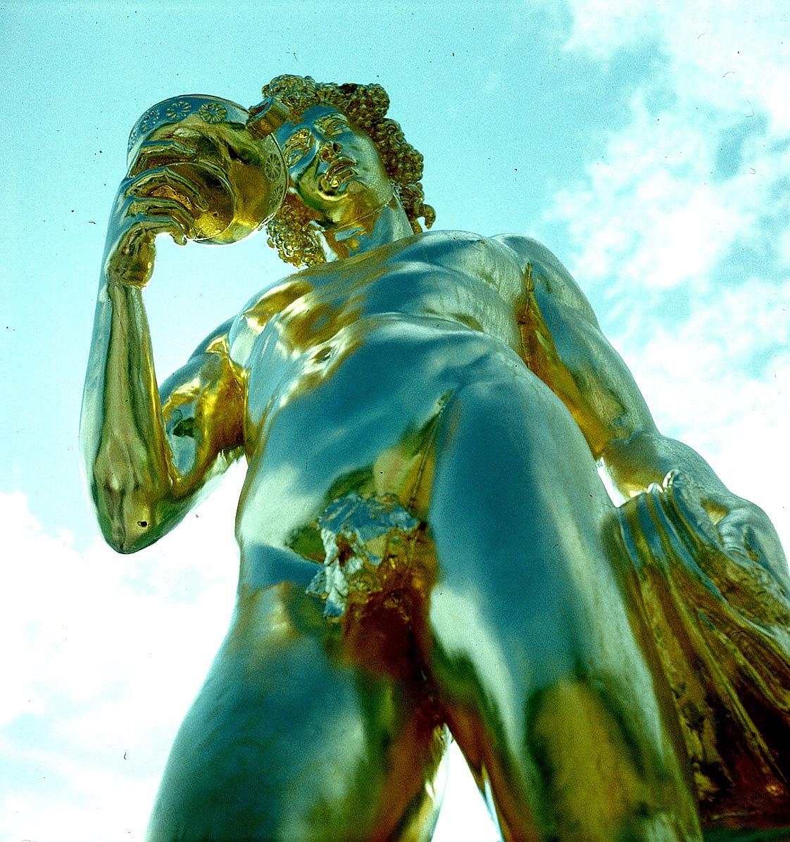 Статуя Вакха из Петергофского дворца