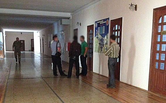 Полиция Харьковщины расследует хищение пограничниками военного имущества на 4 млн гривен. ФОТОрепортаж