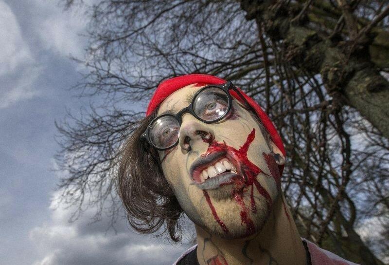 Окровавленные зомби в Брюсселе на фестивале фантастики 0 160786 5c6bf076 XL