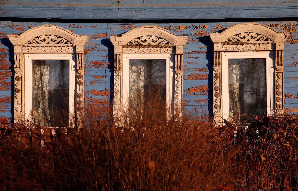 5. Дом в Ярославской области России, 24 октября 2016. (Фото Maxim Shemetov | Reuters):