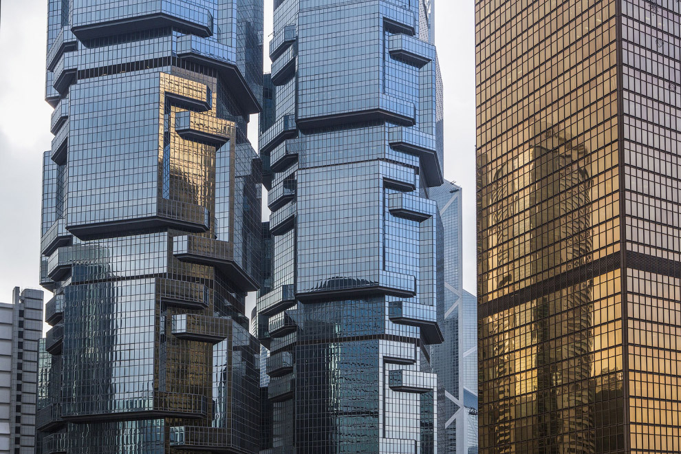 7. Огород и жилые небоскребы. Пока еще в Гонконге можно встретить такое соседство. (Фото Nicola