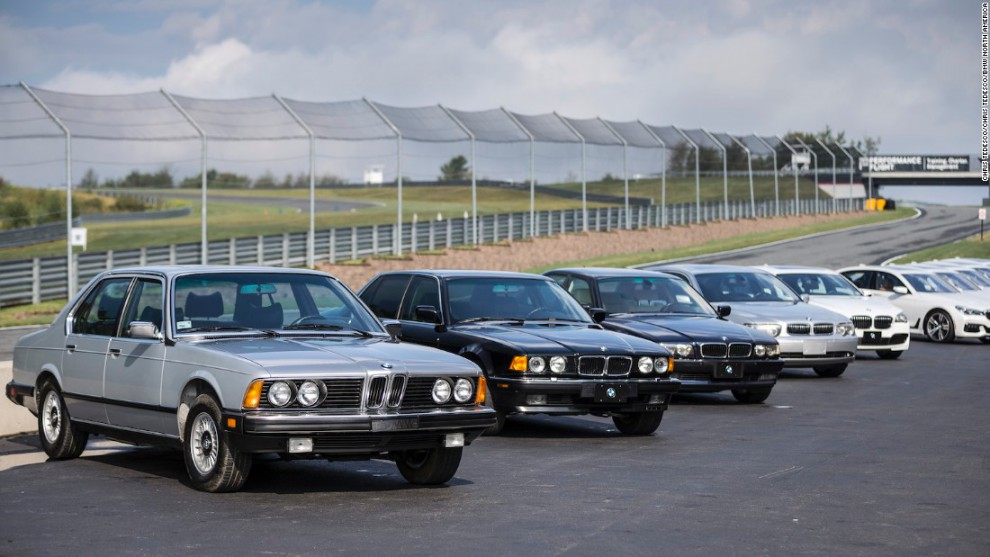 Автомобили 7 серии – одни из самых роскошных моделей BMW – оснащены мощнейшими 12-цилиндровыми двига